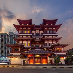 Buddha Tooth Relic Temple at the golden hour