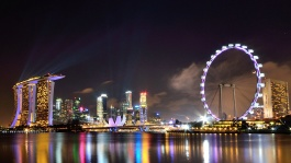 Marvel at spectacular panoramas of the city skyline from the Singapore Flyer.