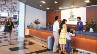 The front of the Singapore Airlines customer service desk