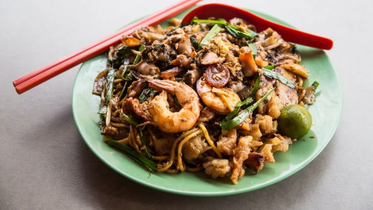 Fried Kway Teow on green plate