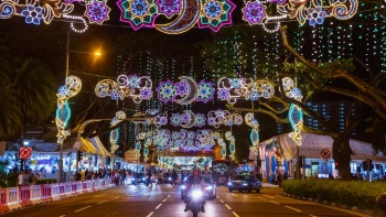 Enjoy the lights and festivities at the annual Geylang Serai Ramadan Bazaar