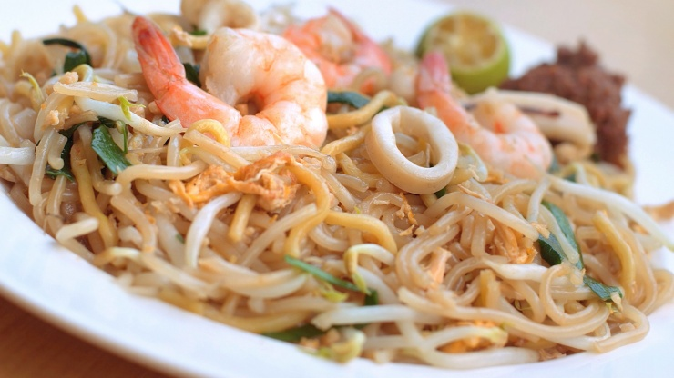 Hokkien prawn mee, a dish of stir-fried noodles with rich prawn stock
