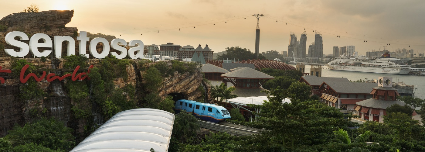 Sentosa skyline with skytrain and cable car