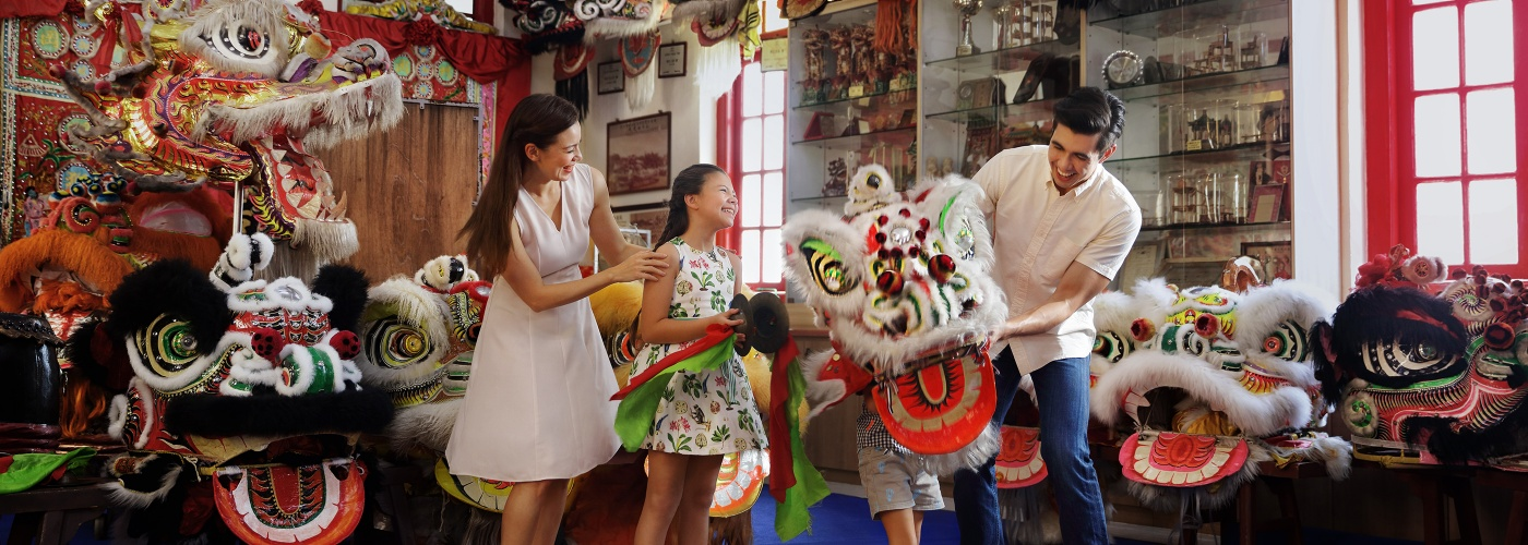Traditional Chinese lion dance at Kong Chow Wui Koon Clan House