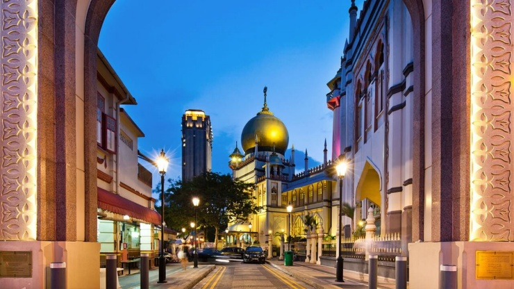 Sultan Mosque in the evening at Kampong Gelam