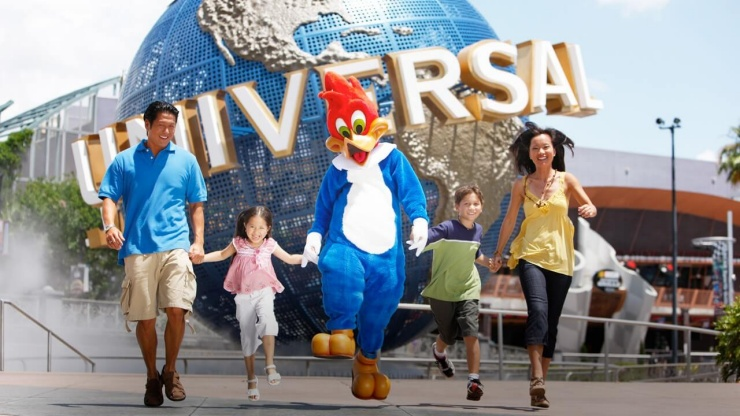 Family of 4 at Universal Studios Singapore