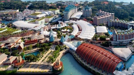 From world-class theme parks to celebrity restaurants, Resorts World Sentosa has it all.