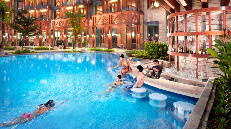 Enjoy an integrated resort experience that is perfect for your loved ones at Resorts World Sentosa.