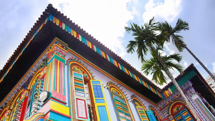 Close up of the colourful shophouse, Tan Teng Niah Residence